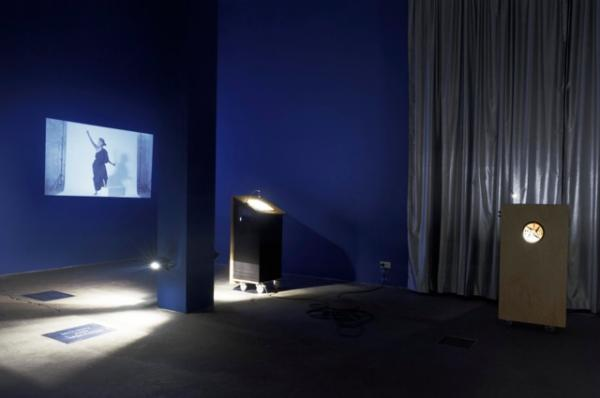 PUBLIC SPEAKING, Exhibition View: Veda Popovici, Revolutionary Gear: The History of Art Retold Through the Black Square, 2015, Photo: Anton Roland Laub, District 2016